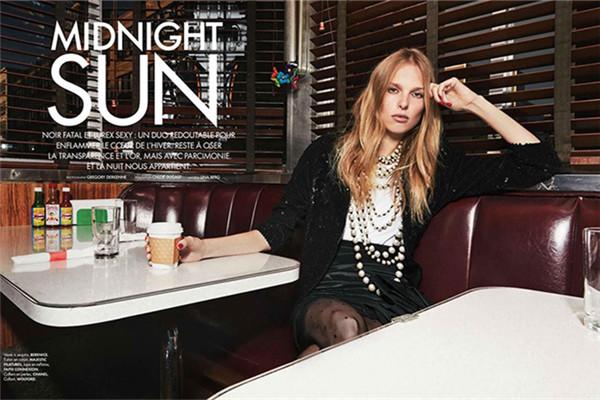 超模Lina Berg为《Elle》杂志拍摄主题时尚大片