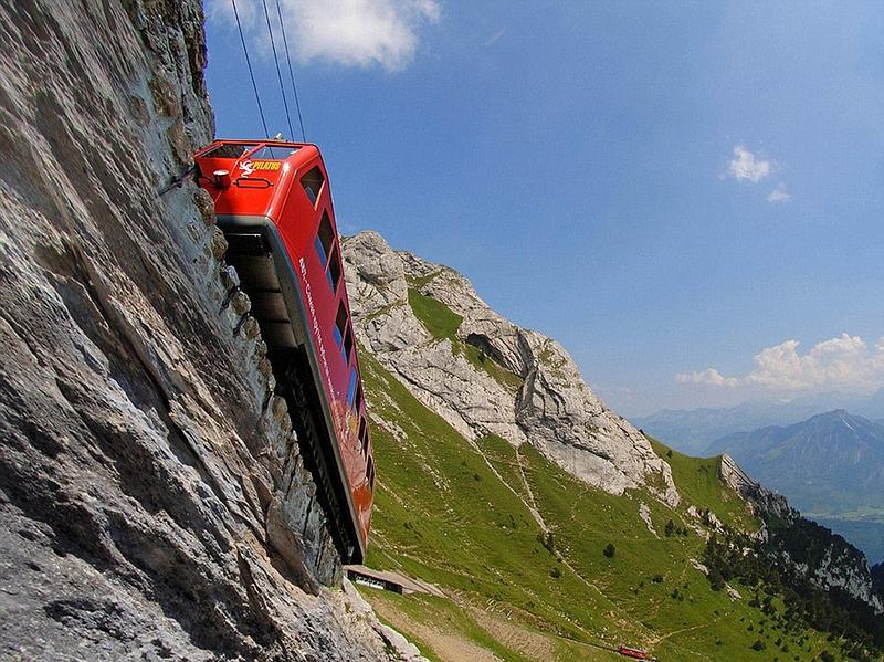 世界最陡铁路如坐过山车