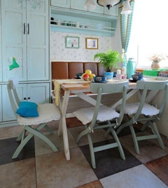 随性简朴创造出了悠然惬意的用餐空间