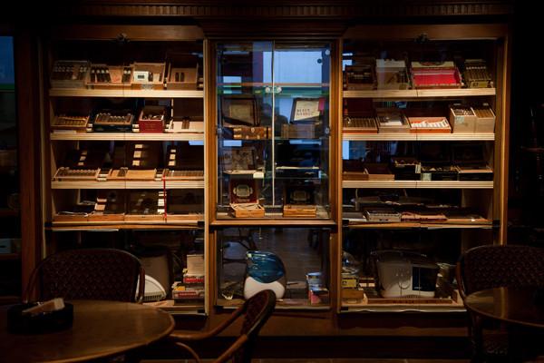 比佛利山庄顶级雪茄俱乐部献礼至臻男士