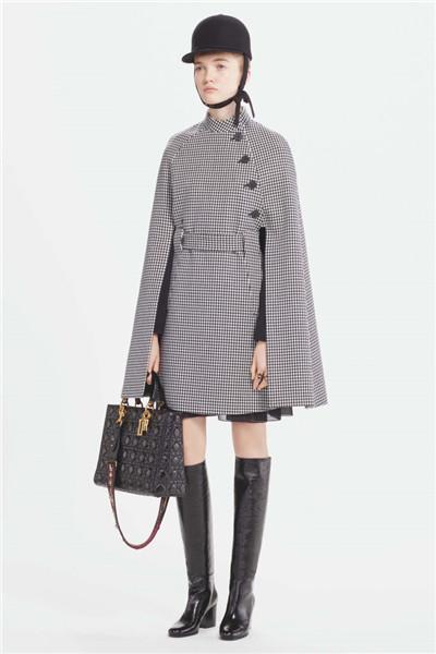 Dior(迪奥)释出2017早秋系列时尚型录