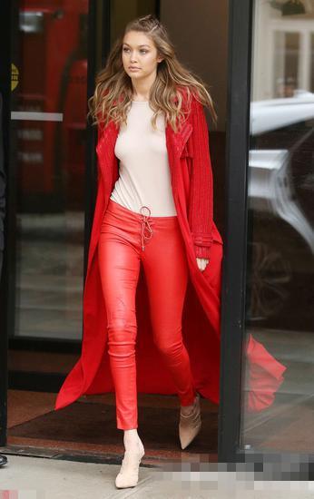 Gigi教你穿衣搭配示范 同色系搭配轻松穿出高级感