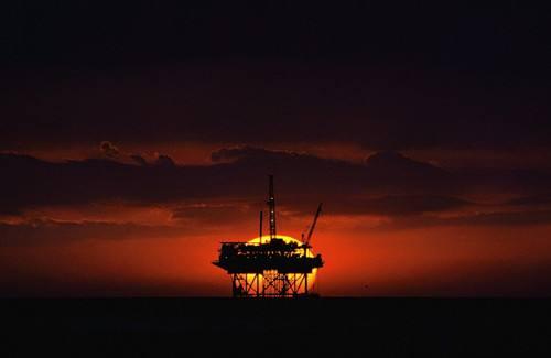 今日油价走势分析 冲上54走势十足
