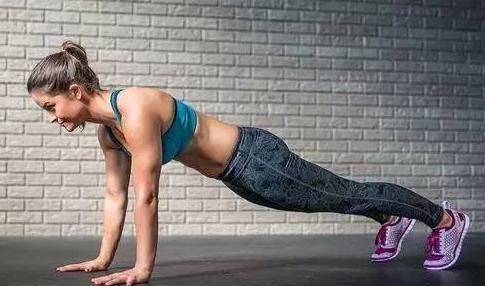 俯卧撑锻炼方法有哪些?俯卧撑锻炼有哪些好处?