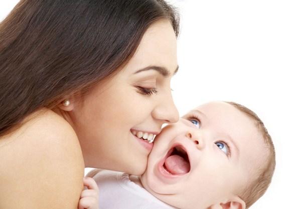 """如何为准妈妈挑选保险 华泰好孕宝母婴疾病保险应""""孕""""而生"""