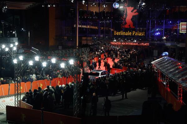 格拉苏蒂携手柏林电影节七载 惊艳亮相第67届柏林电影节