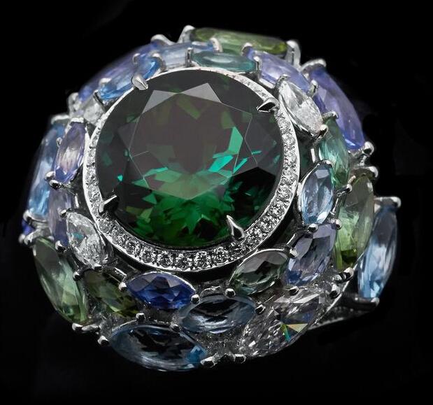 珠宝赏析:蒂芙尼Blue Book系列绿色碧玺戒指