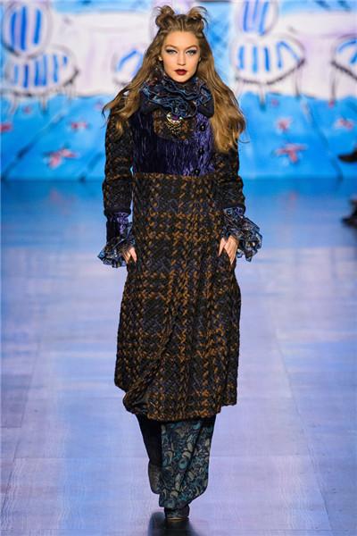 Anna Sui于纽约时装周发布2017秋冬系列高级成衣