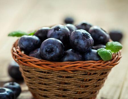 紫颜色水果有哪几种?紫色水果应该怎么吃?