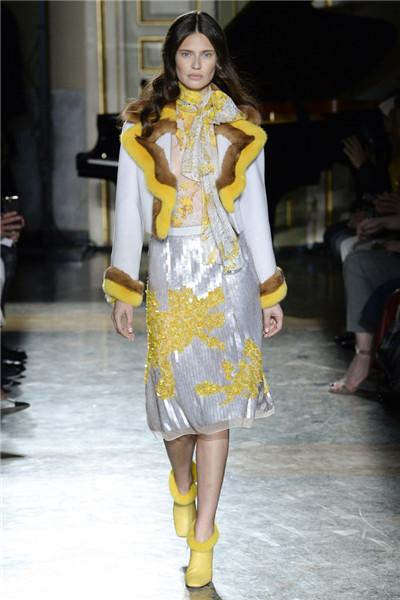Blumarine服装品牌于米兰时装周发布2017秋冬系列