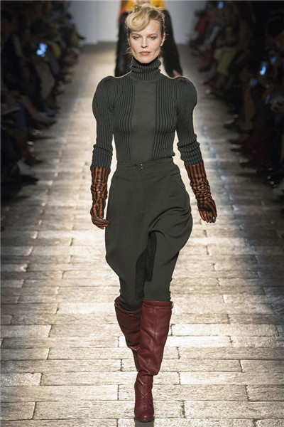 Bottega Veneta于米兰时装周发布2017秋冬系列高级成衣