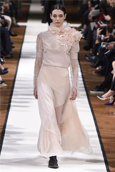 Lanvin(浪凡)于巴黎时装周发布2017秋冬系列高级成衣