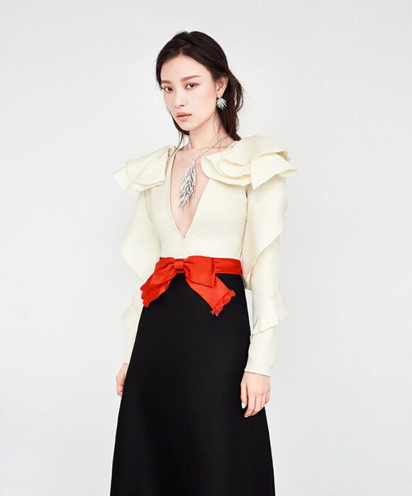 倪妮最新时尚大片 佩戴蒂芙尼珠宝展现优雅魅力