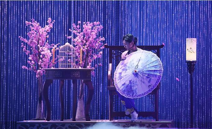 《梦工厂2》何洁凄美演绎倾城绝恋 何雯娜花式玩钢管
