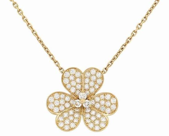 Van Cleef & Arpels珠宝新作春日之花 轻盈呈现自然生机