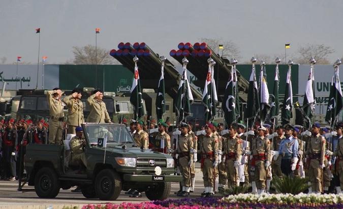 """巴基斯坦阅兵彩排:""""中国制造""""轮番登场"""
