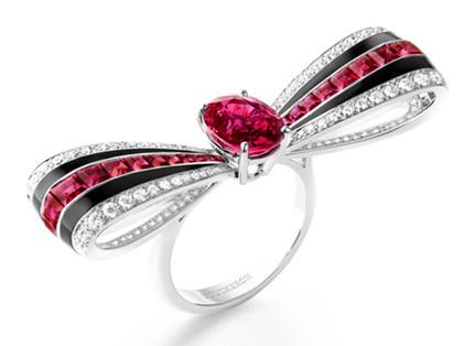 戴上蝴蝶结珠宝去踏春 引领浪漫时尚潮流