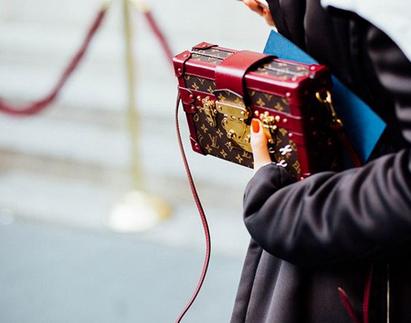 Louis Vuitton推出Petite Malle包包 带着浓浓复古味道