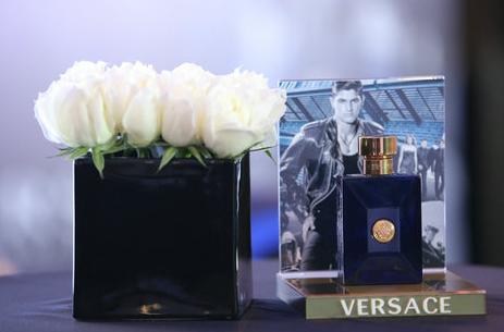 范思哲品牌最新男士香水——迪伦男士淡香水上市