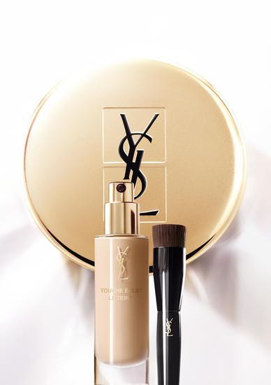 YSL圣罗兰推出全新超模粉底 打造脸部光泽妆感