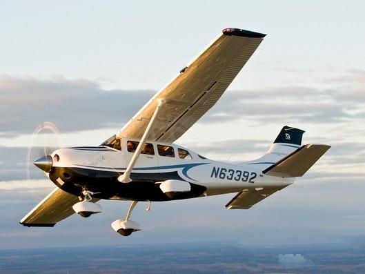 赛斯纳206H:拥有长达七个小时续航能力的私人飞机