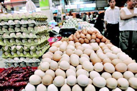 当前的鸡蛋市场供过于求 蛋价创下十几年来新低