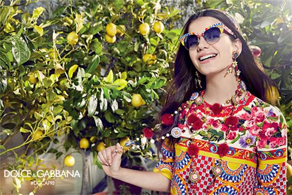 杜嘉班纳释出2017春夏奢侈品眼镜系列广告大片
