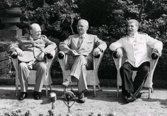 波茨坦会议丘吉尔被请下台 因苏联印度问题上过分强硬