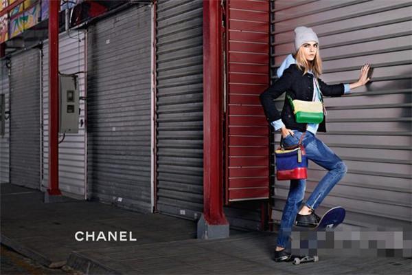 香奈儿发布全新Gabrielle包包系列宣传大片