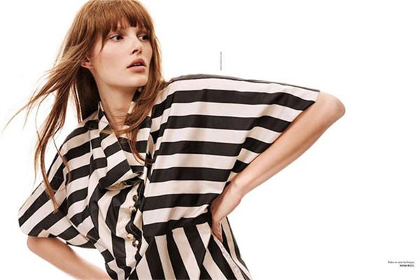 超模Lilly为《Elle》杂志法国版拍摄时尚大片