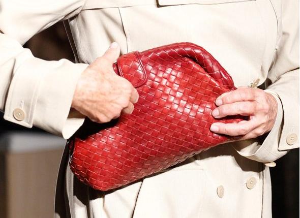 Bottega Veneta推出The Lauren 1980包包 向经典致敬