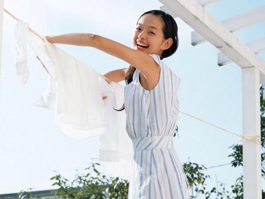 衣服上污渍洗不掉怎么办?被染色衣服怎么洗?