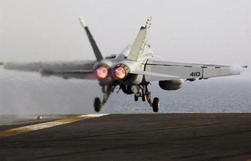 6架飞豹战机远海驱逐美军 让人永远记忆!
