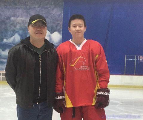英达儿子被打 冰球锦标赛中因争议球导致双方互殴