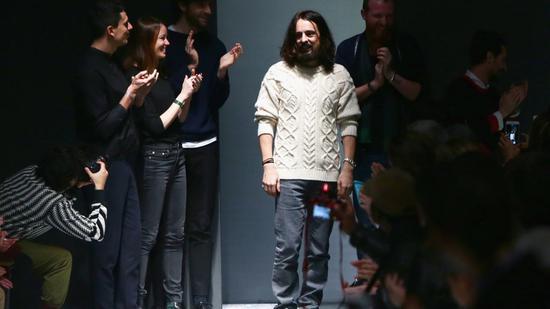 Gucci创意总监被质疑抄袭 回应:对抄袭指控表示难过