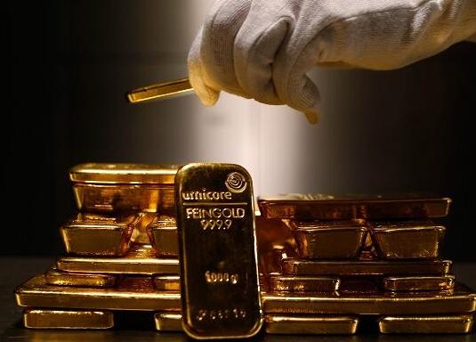 国际黄金触及两周新低 短期仍有回调压力