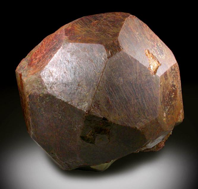 神秘的石榴石原石「Subway Garnet」 隐于幕后的典藏级宝石