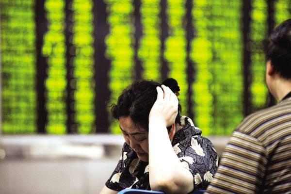 女子误入现货平台陷阱惨亏71万 现货投资如何避免损失?