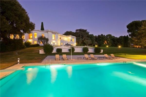 昂蒂布海角豪宅:感受优雅的普罗旺斯浪漫气息