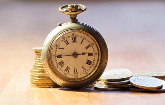 3、 被认可的银行存管模式 目前,银行与网贷平台进行资金存管合作有三种模式,分别是银行直连、直接存管和联合存管。 直接存管是目前平台与银行资金存管合作最常见的模式,银行一般会为平台开设存管账户、投资人和借款人的独立个人存管账户、风险备用金账户和担保公司账户。这两种模式是被监管层认可的银行存管模式。
