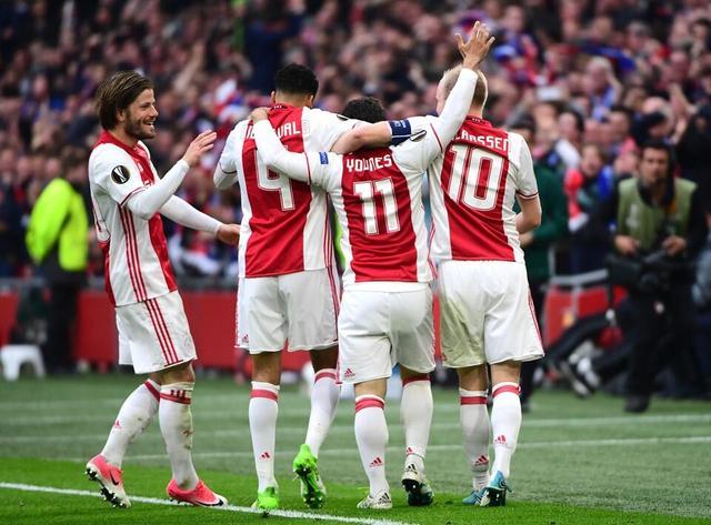 欧联杯-阿贾克斯4比1大胜里昂 为晋级决赛奠定基础