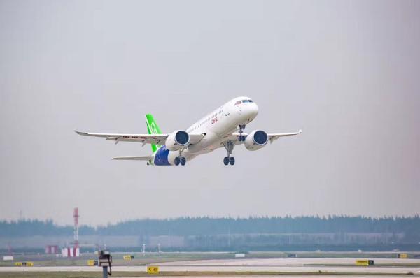 C919圆满完成首飞 中国实现民航客机技术集群式突破