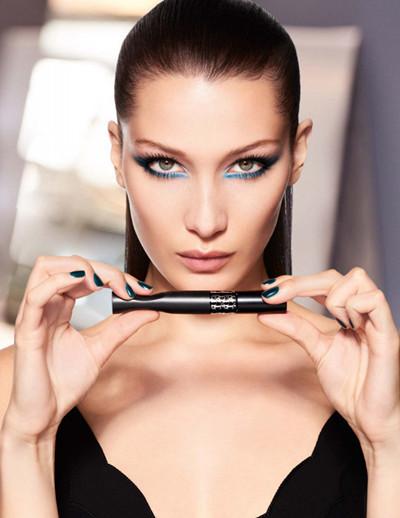 Dior迪奥推出全新惊艳盈密睫毛膏