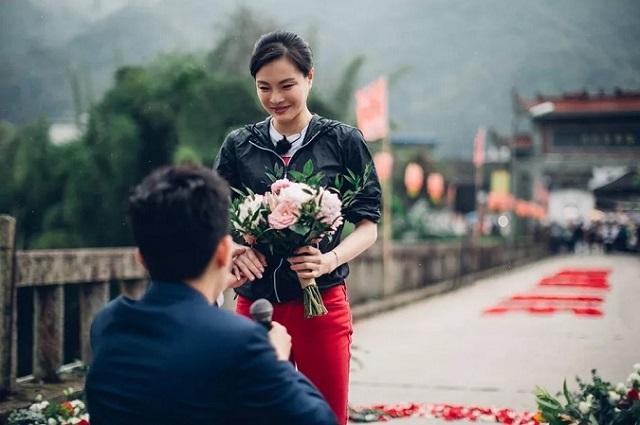 跳水女王吴敏霞与男友结束8年爱情长跑 求婚钻戒引人关注