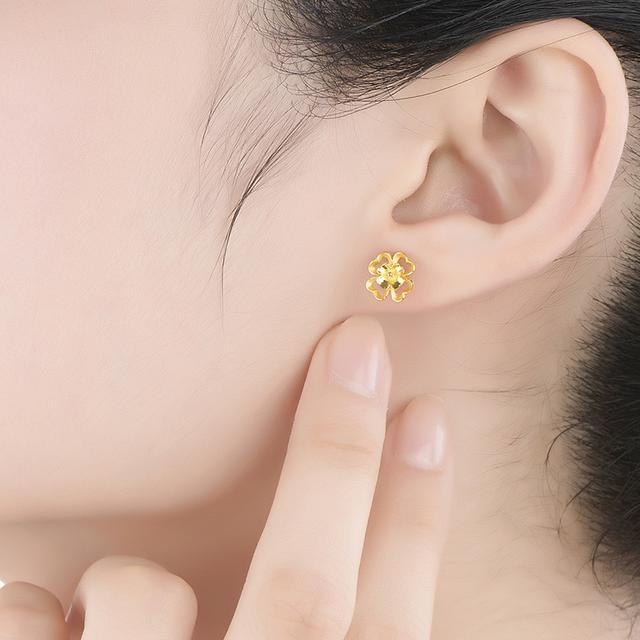 黄金耳钉_黄金耳钉贵吗_黄金耳钉多少钱一对_哪家金店的黄金耳钉便宜点_黄金耳钉适合什么人带-金投黄金网