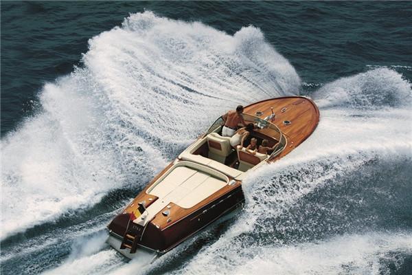 法拉帝携15艘经典船艇亮相韦西里亚游艇盛筵