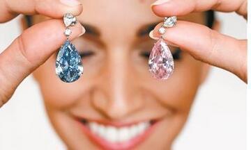 全球最贵钻石耳坠近4亿元 有了保险不怕灾害和意外