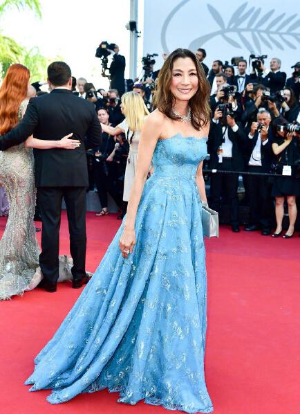 2017戛纳电影节正式开幕 中国明星红毯争奇斗艳