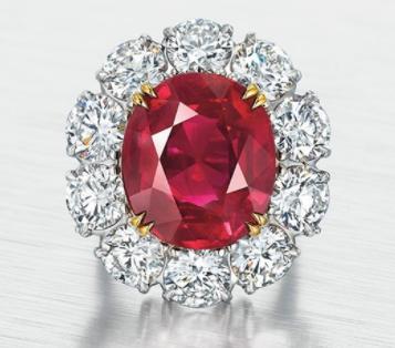 日内瓦珠宝拍卖会 无烧缅甸红宝石以1275.15万瑞郎落锤