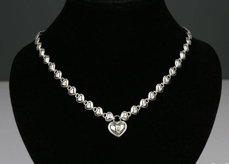纯银爱心形项链